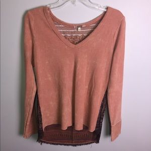 Gimmicks by BKE Pink Buckle Thermal Top Sz Small